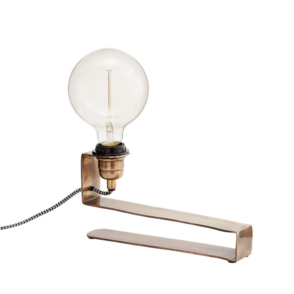 http://www.dukat.se/product/industrilampa-fran-madam-stoltz-for-glodtradslampa