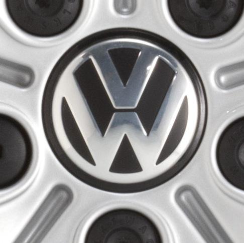 VW Volkswagen centrumkåpor 4 pack original i svart. Fri frakt
