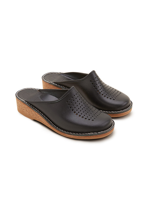 Black Slippers Gunilla Vegetable Tanned Leather Perforated