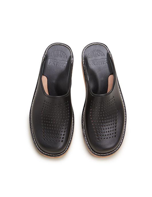 Svart Slippers Patrik Vegetabiliskt Garvat Läder Perforerad