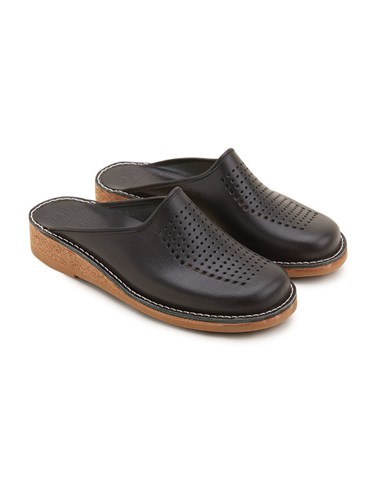 Black Slippers Patrik Vegetable Tanned Leather Perforated