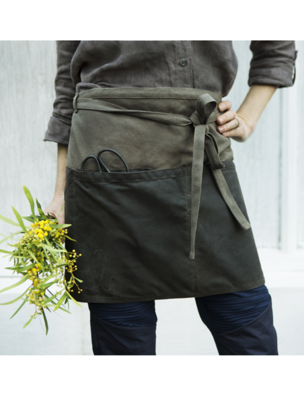 Bluebell Apron Olive & Ivy