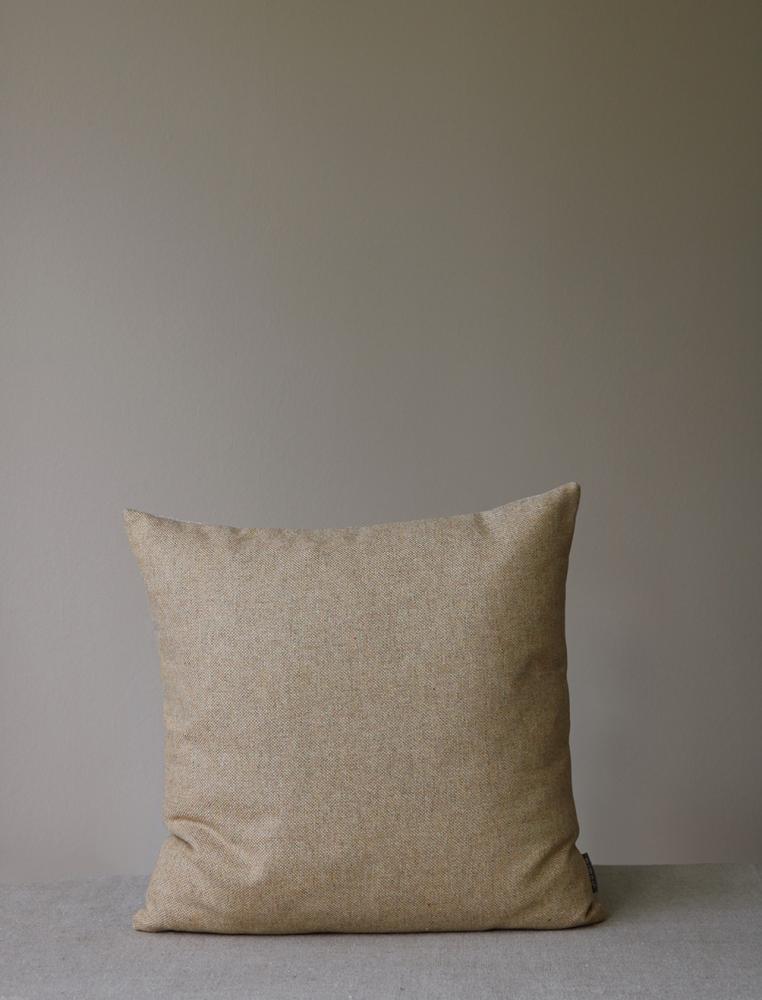 Retreat Cushion Rye beige