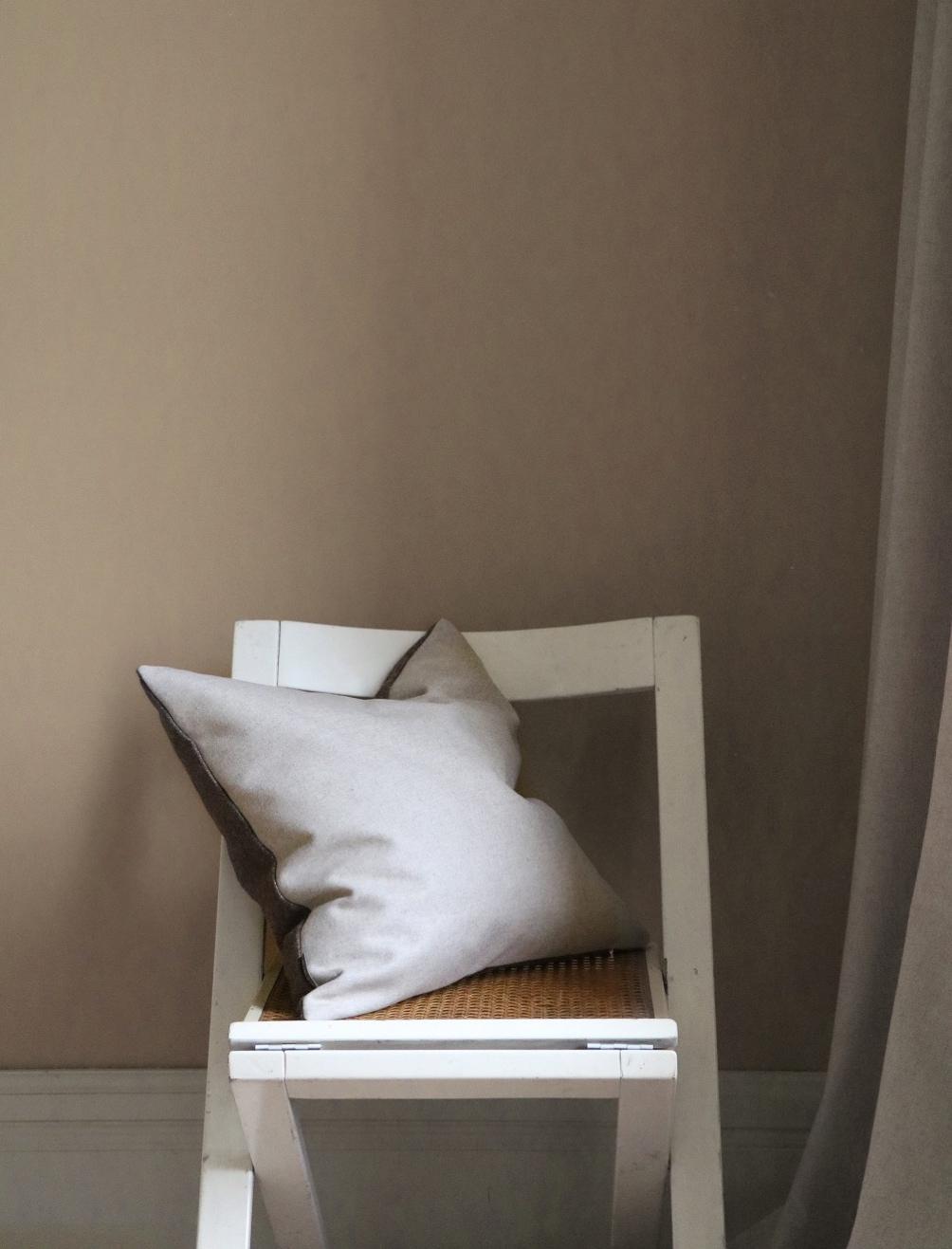 Retreat Cushion Brown clay