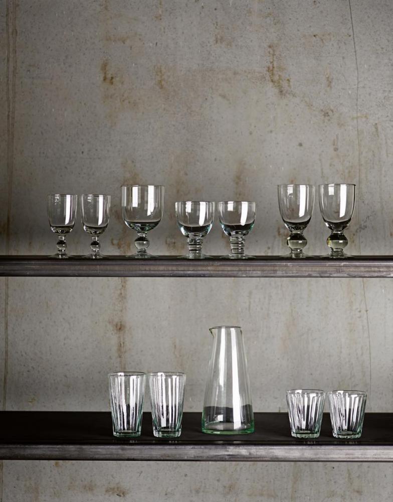 Vattenkaraff i glas