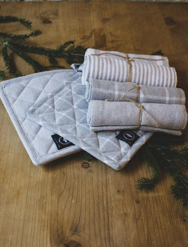 Gift Box Kitchen Set Grey 4 Towel & 2 Potholders