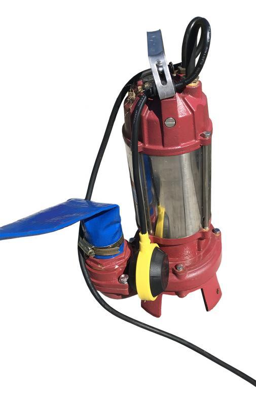Dränkbar pump med skärblad i kolfiber