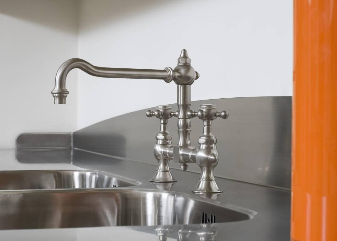 Rostfria diskbänkar i specialmått och specialutförande. : rostfri diskbänk : Inredning