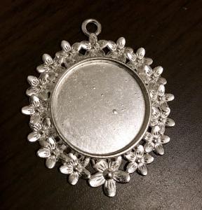 Ram berlock för 25mm, blommig ljust silver, 1st