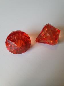 """Prisma stor """"Änglakropp"""" röd i acryl 1st"""