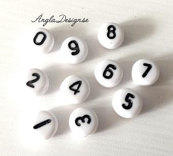 Acrylpärlor, siffror 0-9 vit med svart text, 10-pack