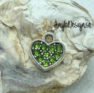 Berlock litet hjärta i antiksilver med grön strass på båda sidor, 1st