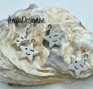 Berlock stjärna med smiley i antiksilver, 4-pack