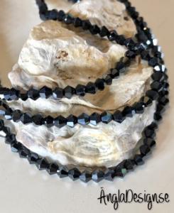 Glaspärla bicone Crystal 4mm svart med fin lyster, 1 sträng