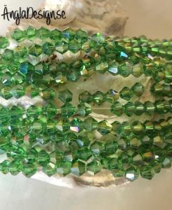 Glaspärla bicone Crystal 4mm grön med AB lyster, 1 sträng