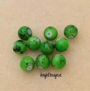 Glaspärla drawbench grön med svart stänk på, 8mm, 10-pack