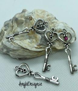 Hänge större berlock nyckel med plats för sten, antiksilver. 2-pack