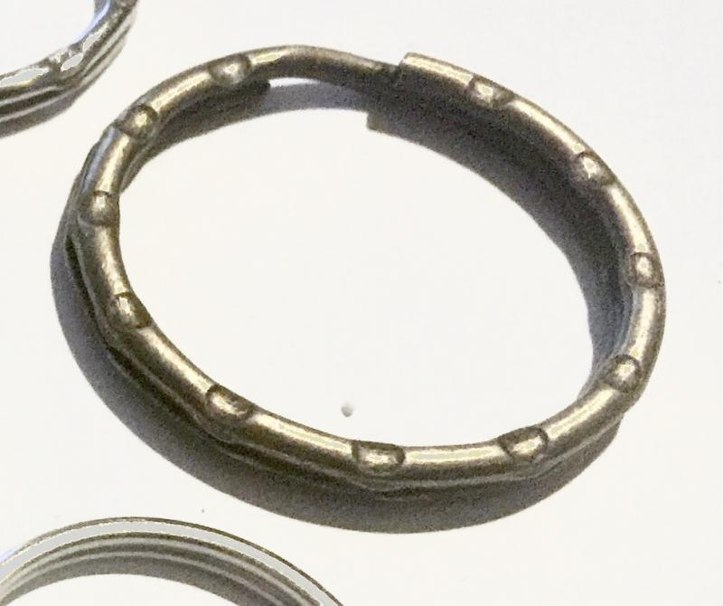 Nyckelring brons 28mm, räfflad, 1st