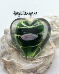 Glaspärla handgjorda lampwork stort hjärta 35mm med ros, grön, 1st