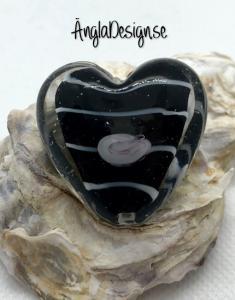 Glaspärla handgjorda lampwork stort hjärta 35mm med ros, svart, 1st