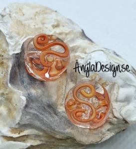 Glaspärla handgjorda lampwork rund platt med s mönster, orangeröd, 1st