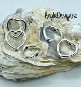 Mellandel hjärta ihåligt i antiksilver, 5-pack