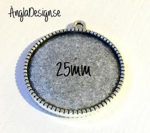 Berlock ram antiksilver 25mm med prickkant, dubbelsidig, 1st