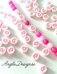 Acrylpärlor vit med rosa bandet, 10-pack