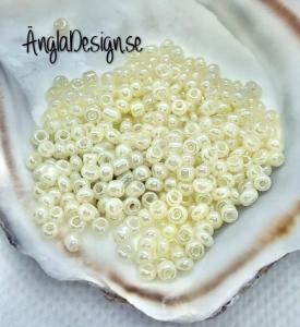 Seed beads pastellgul ( ljusgul) 2mm, 20 gram