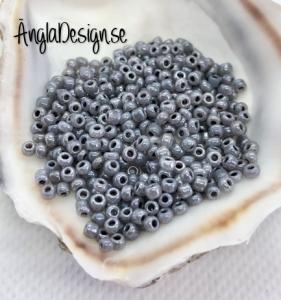 Seed beads pastellsvart 2mm, 20 gram