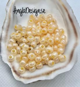 Seed beads pastell orange 4mm, 20 gram