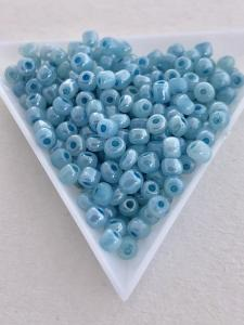 Seedbeads blå pastell 4mm, 25 gram