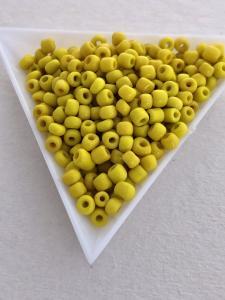 Seedbeads opak gula 4mm, 25 gram