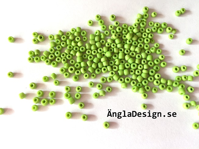 Seed beads ca 2-3mm, limegrön, 25gram