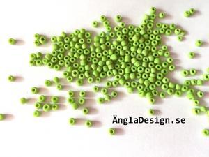 Seedbeads ca 2-3mm, limegrön, 25gram