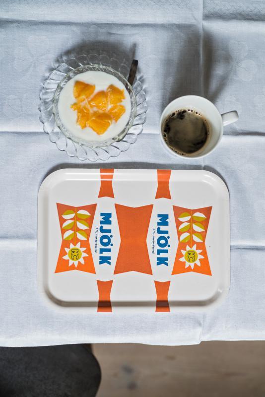 Frukostbricka mjölk