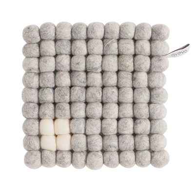 Square trivet of 100% wool - Light grey with white detail.