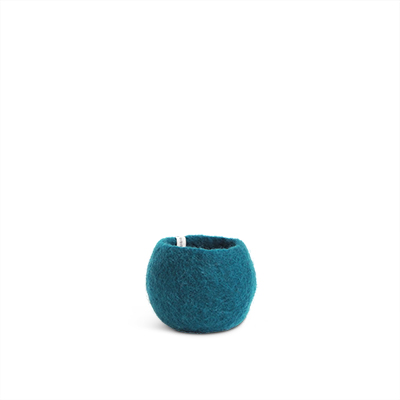 Small rounded flower pot in blue petrol made of wool.