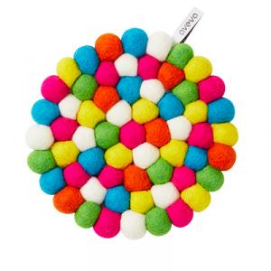 Round trivet in wool with neon colors