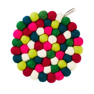 Round trivet in wool in lime, petrol, cerise, white, red, green