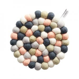 Round handmade trivet made of 100% wool - Mixed pastel.