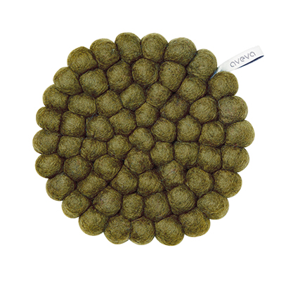 Round handmade trivet made of 100% wool - Olive green.