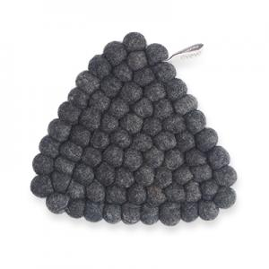 Handmade triangle trivet made of 100% wool - Raw black.