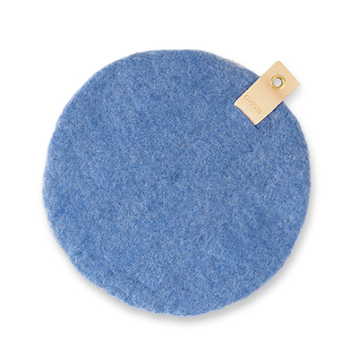 Round seat cushion in blue wool with a hanger in eco leather.