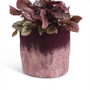 Stor kruka av ull i aubergine med ombre effekt.