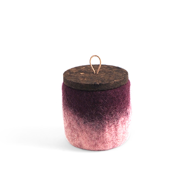 Handmade jar made of wool in aubergine ombre with a lid of cork and leather.