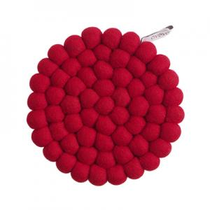 Round handmade trivet made of 100% wool - Red.