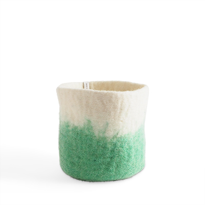 Medium size flower pot in pistache made of wool with ombre effect.