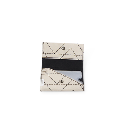 Handgjord plånbok i återvunnen bomull med zick zack mönster - Öppen.