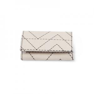 Handmade wallet in recycled cotton with zig zag pattern - Closed.